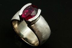 Rubalite garnet ring set in 18kw