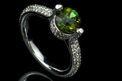 Green tourmoline and diamond ring set in 18kw